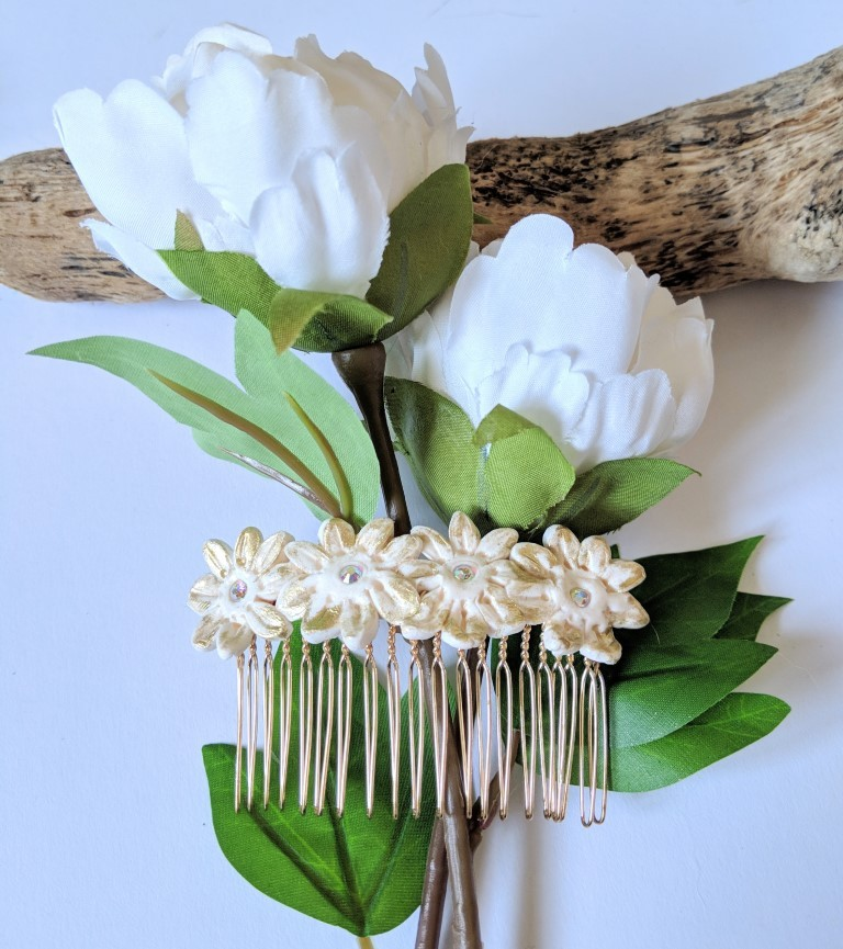 White gold flowers hair comb