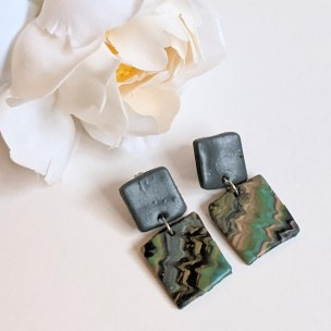 Camouflage fun drop earrings