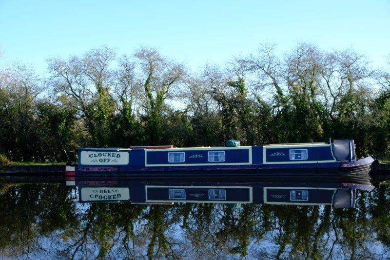 Passing a number of narrow boats