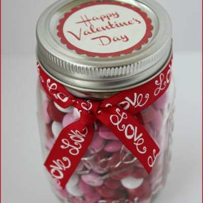 DIY Valentines M&M in a Jar!