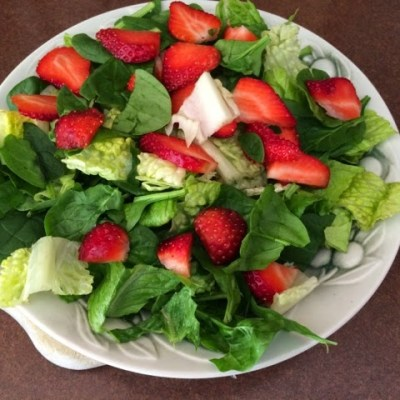 Sunday Lunch: Strawberry Spinach Salad with Grilled Chicken