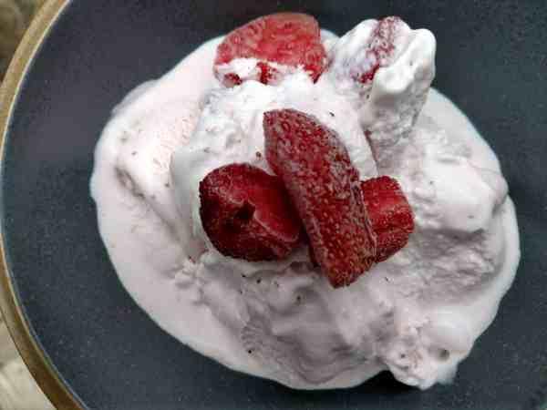 Homemade Strawberry Icecream