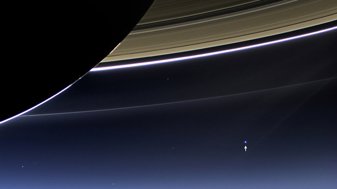 Cassini orbiter sees Earth from Saturn