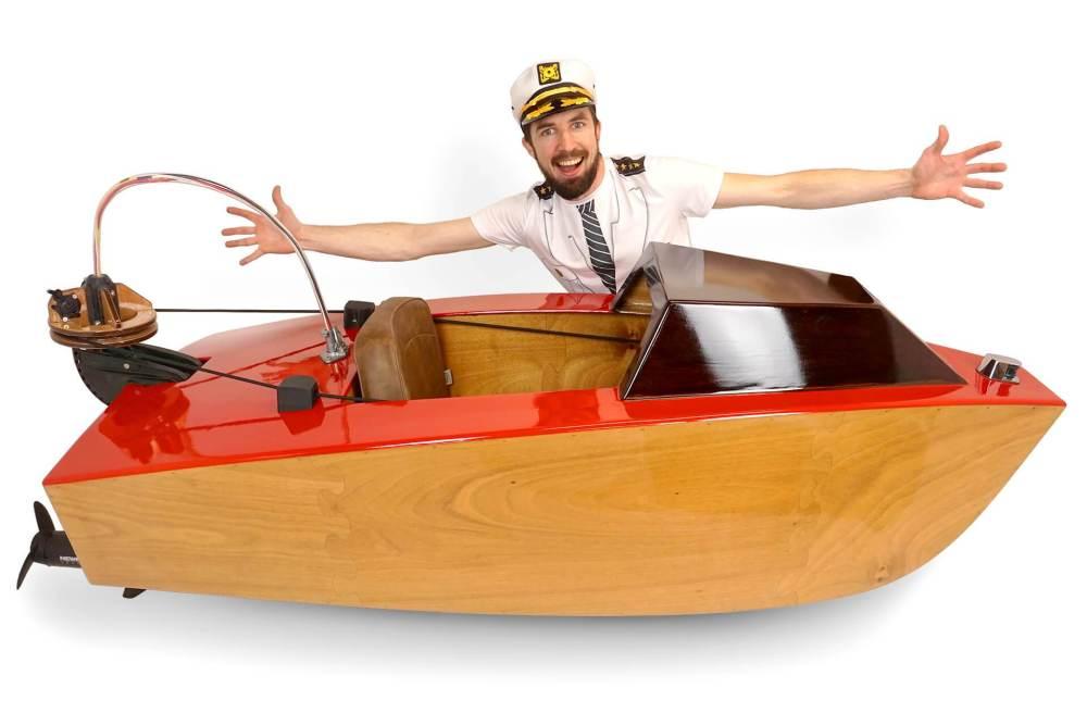 Mini-boat.