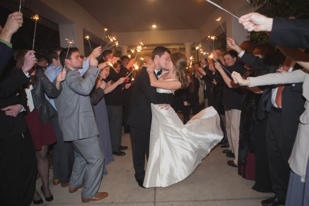 Southern Glam Winter Country Club Wedding in Valdosta. Photo by Amanda Sumner Photography