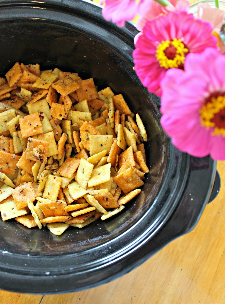 Kick up your Cheese Crackers with this Slow Cooker Recipe for Cheezy Firecrackers! It makes a great food gift!