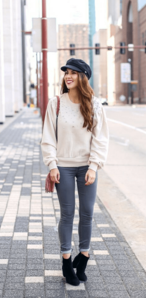 Pearl Embellished Sweatshirt and Street Style