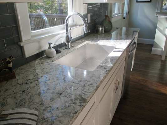 Kitchen Sink_Water Sense-Quartz Countertop-Reused Oak