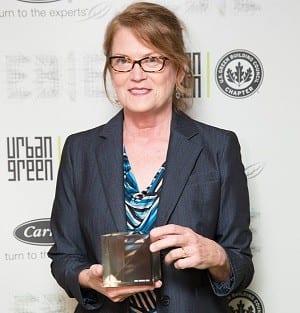 Jean Pullen receives award