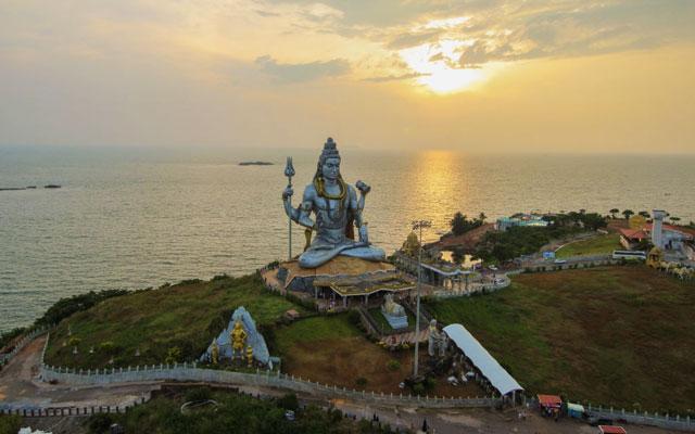 Murudeshwar Shiva Statue During Sunset.