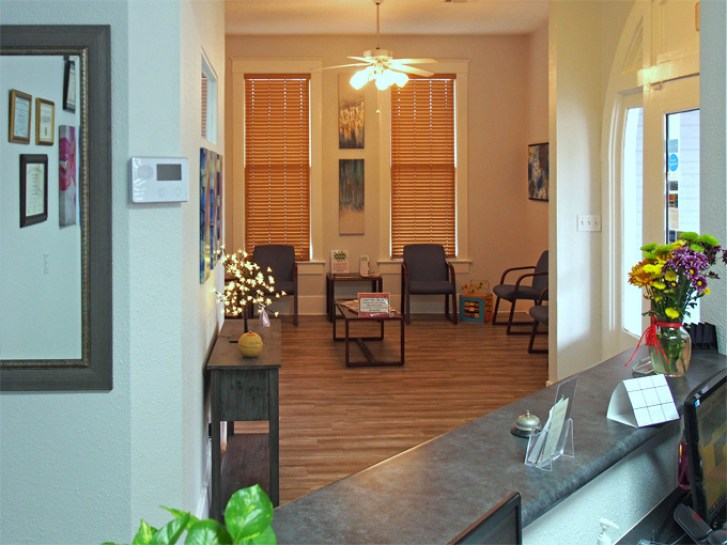 Southtown-Dentist-In-San-Antonio-Reception-Area-2