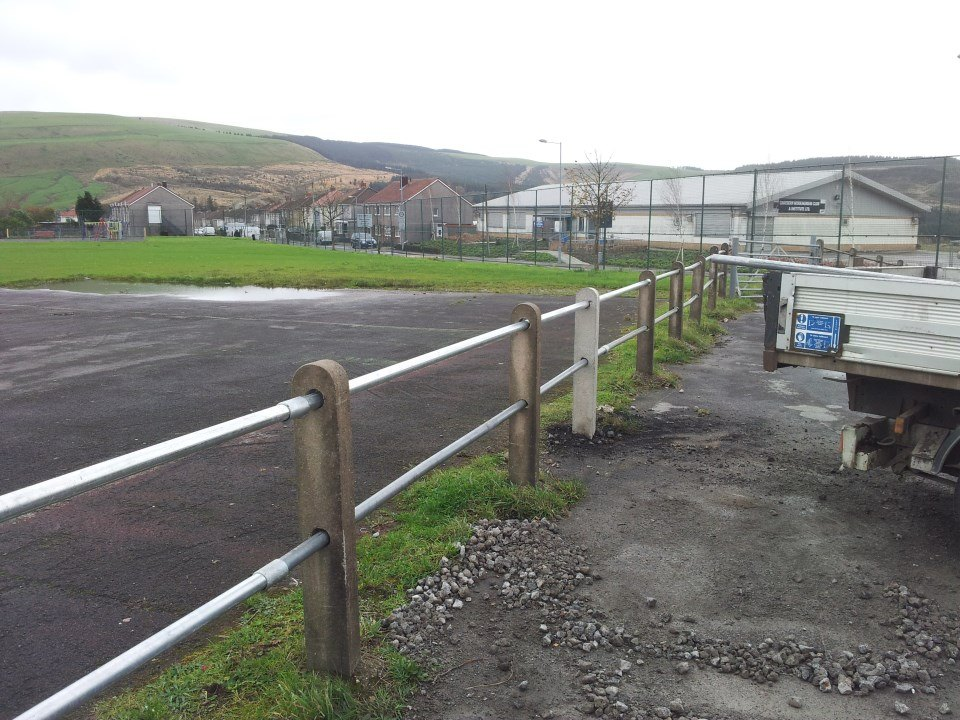 Concrete Post And Rail Fence Cymmer