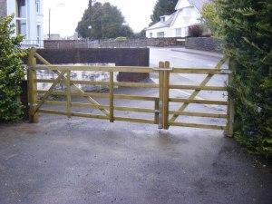 five-bar-farm-gate-ammanford-1
