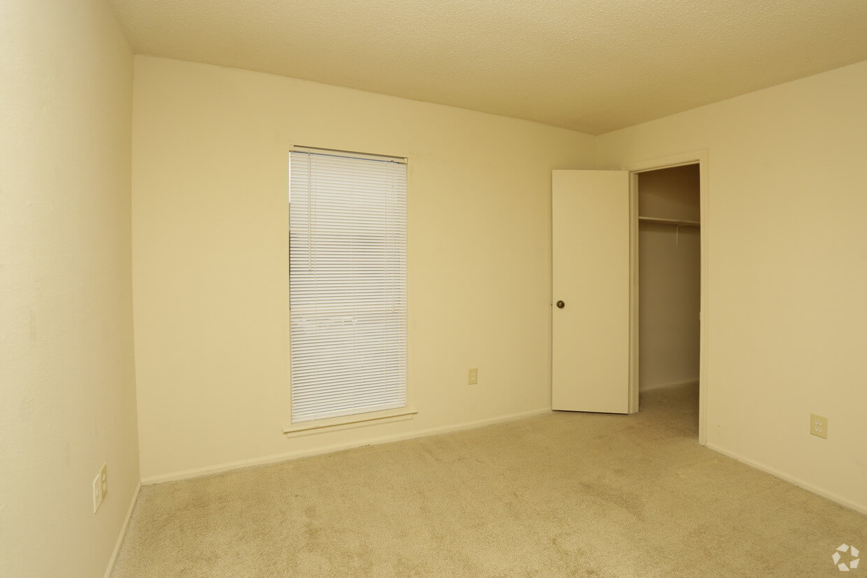 One Bedroom Apartments In Greenville Nc Woodwinds Apartments 157 Montague Road Greenville Sc 29617