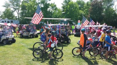 Kids with decorated bikes