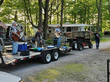 Music in Motion - Band on a trailer