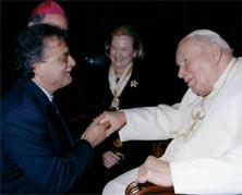 Gigi Abbruzzo con Sua Santità Giovanni Paolo II