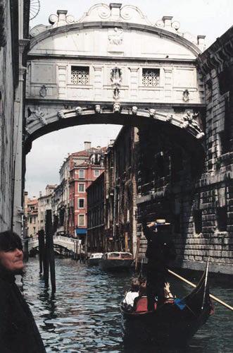 Gondola veneziana e Ponte dei Sospiri