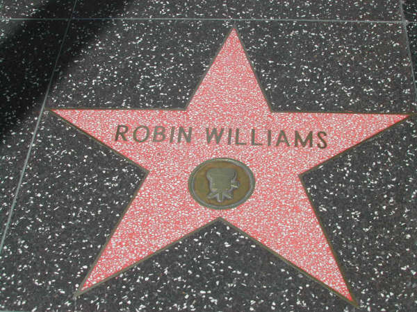 La stella di Robin Williams nella Hollywood Walk of Fame (fonte Wikipedia Italia)