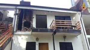Taverna – Esplosione in appartamento per una fuga di gas