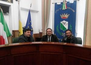 """Consegnata petizione per la """"Piazza Franco Nisticò"""""""