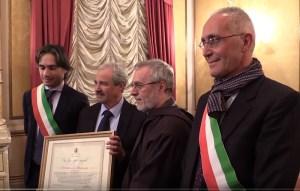 VIDEO | Cittadinanza onoraria di Reggio Calabria a Padre Giuseppe Sinopoli