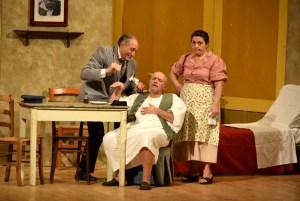 """Successo al Teatro Grandinetti di Lamezia Terme per la commedia """"A morte 'e Carnevale"""""""