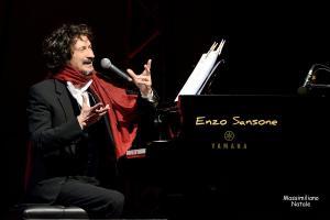 Standing ovation il concerto a Locri di Sergio Cammariere