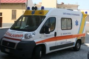 Auto si ribalta in centro a Reggio Calabria, muore 76enne