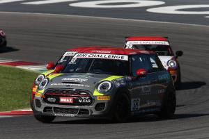 Il calabrese Simone Iaquinta conquista il titolo italiano nel Campionato MINI Challenge