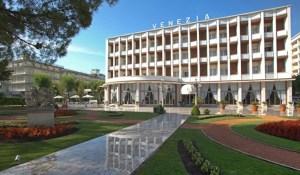 """Grazie e complimenti a tutti i lavoratori dell'Hotel Terme Venezia di Abano (Padova) … con un pensiero alla nostra """"Jonioterapia"""" come benessere degli dei!"""