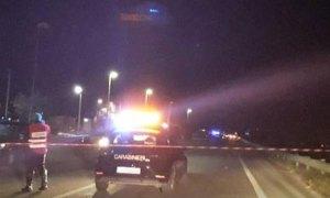 Pedone muore travolto da un'auto sulla Statale 106