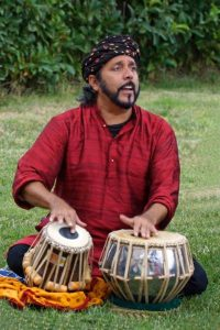 Chiaravalle Centrale, musica per la pace con i maestri indiani Bhatt e Khan