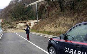 Maltempo – Carabinieri soccorrono coppia di anziani, casa rasa al suolo dal fango poco dopo