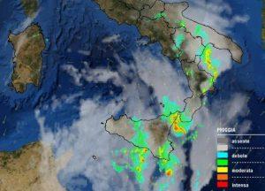 Maltempo – In arrivo forti temporali, attenzione a possibili nubifragi in Calabria