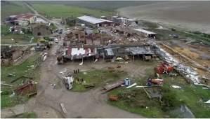 Nella provincia di Crotone uno scenario apocalittico, devastate dal tornado anche le campagne