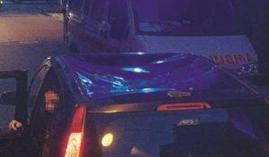 Maltempo – Tragedia sfiorata a Badolato: auto colpita da un comignolo, illesa la conducente