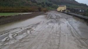 Calabria sotto l'occhio del ciclone, allerta rossa e scuole chiuse