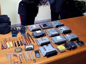 Sorpresi con attrezzi da scasso, tre persone denunciate dai carabinieri