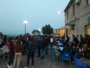 Festa di Liberazione a Isca con laXIV edizione dell'Albero di Canto