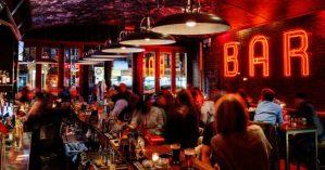 Spaccio di sostanze stupefacenti in un bar, coppia arrestata