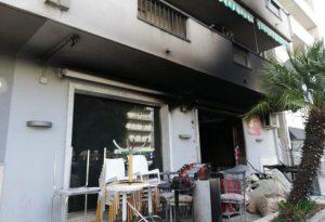 Bar distrutto da incendio, indagini in corso sull'attentato