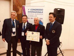 Chef calabrese riceve il premio alla carriera con il riconoscimento del titolo di Sommelier Onorario