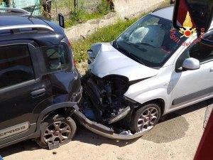 Incidente sulla Statale 106, un ferito e tre auto coinvolte
