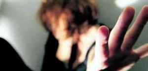 Violenza sessuale di gruppo su una 18enne, arrestati tre giovani
