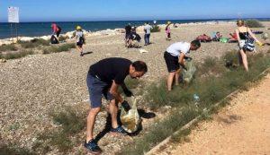 L'U.Di.Con. lancia #SosAmare. Volontari sulle spiagge per rimuovere rifiuti