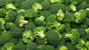 """Elogio del """"broccolo """". L'antitumorale della natura. Scoperta una sostanza che spegne il gene che aiuta il cancro"""