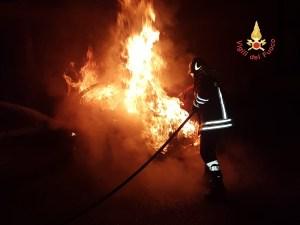 Intimidazioni in Calabria, incendiata auto di un segretario comunale