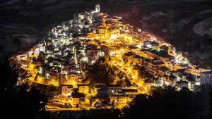 Badolato – In Piazza Castello questa sera esorcismo contro lo spopolamento e la morte dei borghi