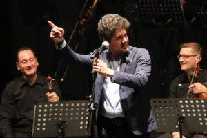 Mogol e Gianmarco Carroccia, un entusiasmante viaggio nel ricordo di Lucio Battisti al Festival d'Autunno